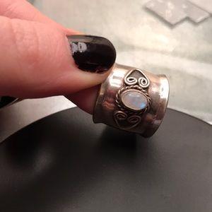 Moonstone cigar band ring 🌝